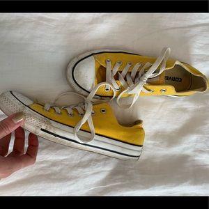 Yellow converse - worn 3x max - just needs a wash